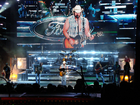 Toby Keith in concert, ford truck