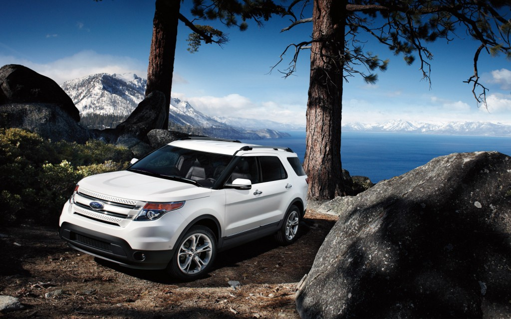 2013 Ford Explorer, white